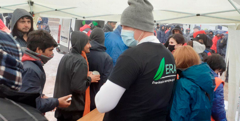Hilfsgüter austeilen, Not Lindern, Bosnien