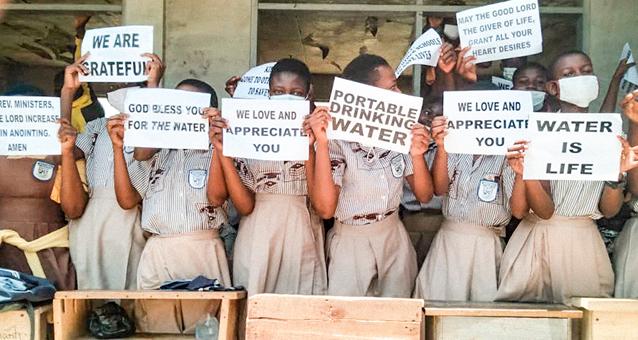 Wasser rettet leben, Sauberes Trinkwasser, Ghana, Brunnen, Frisches Wasser